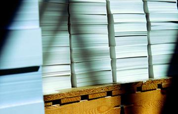White-Paper-Produktion senkt Kosten.